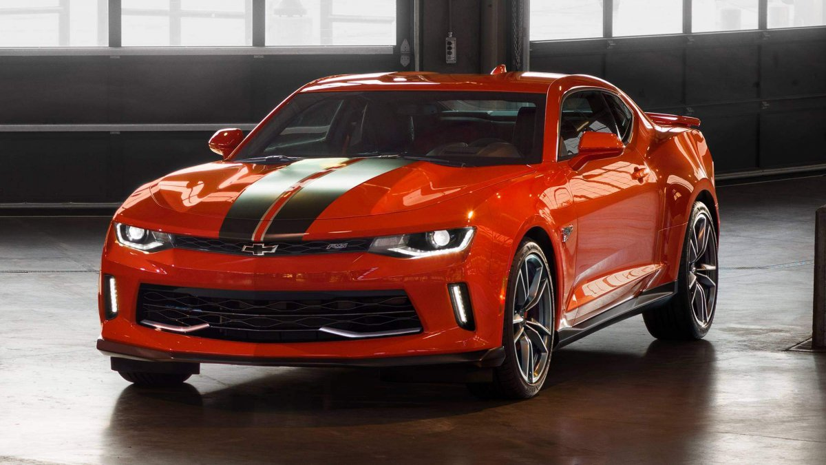 chevrolet unveils the 2018 camaro hot wheels edition. Black Bedroom Furniture Sets. Home Design Ideas